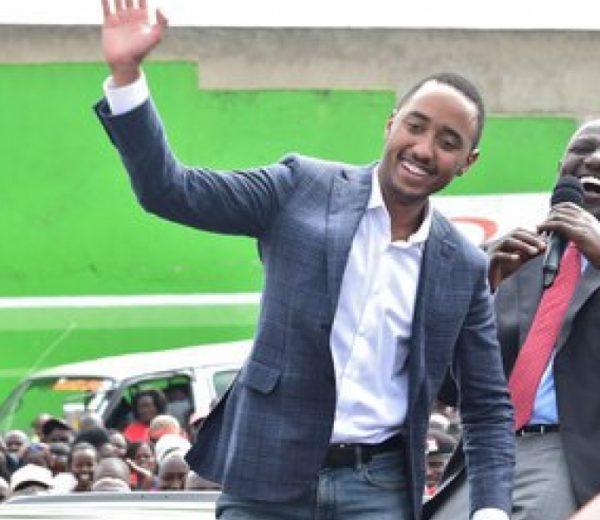 Uhuru Kenyatta's son Muhoho Kenyatta reads speech from phone, Kenyans react (Video)